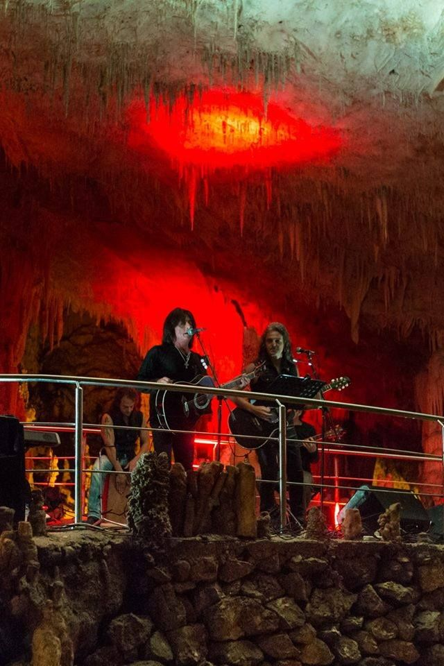 Ioannina 5th Rock City Fest -Cave of Perama-Cave Metal -George Gakis, the Troublemakers & Joe Lynn Turner.Ιωάννινα 5ο Rock City Fest-Σπήλαιο Περάματος . Cave Metal- Γιώργος Γάκης , οι Troublemakers & Joe Lynn Turner.
