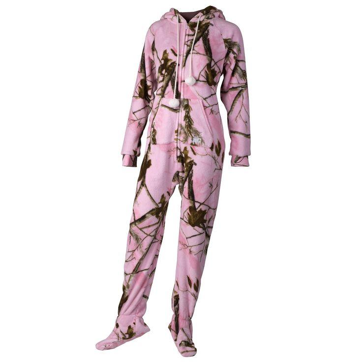 LOL yes, I would rock these! Realtree Girl Pink Camo Fleece Pajamas