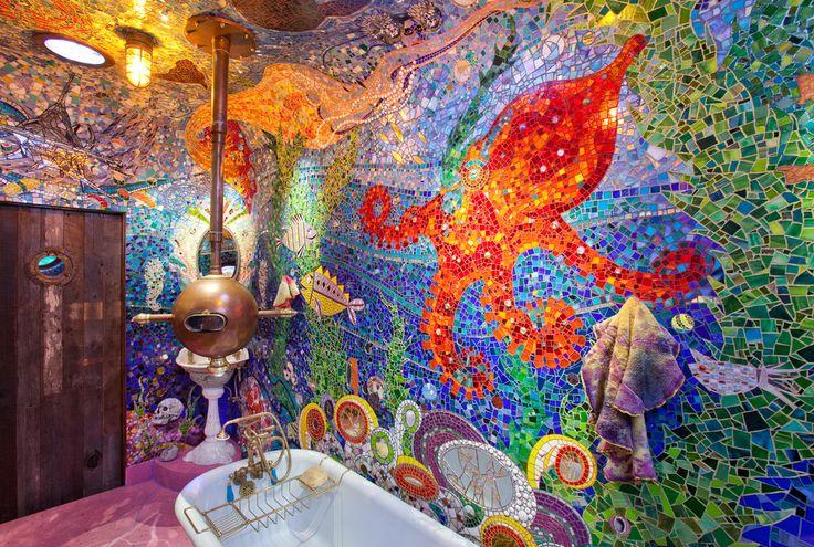 ♥♥♥ Мозаика своими руками - увлекательнейшее занятие. Как сделать картины на стене и столешницы, из стекла, битой плитки и посуды - расскажут фото и мастер-классы.
