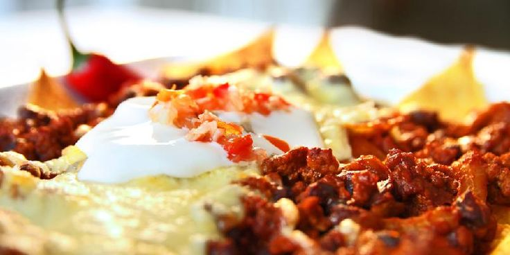 Nachos med kjøttdeig og ost - Her kommer en suveren hverdagsrett.