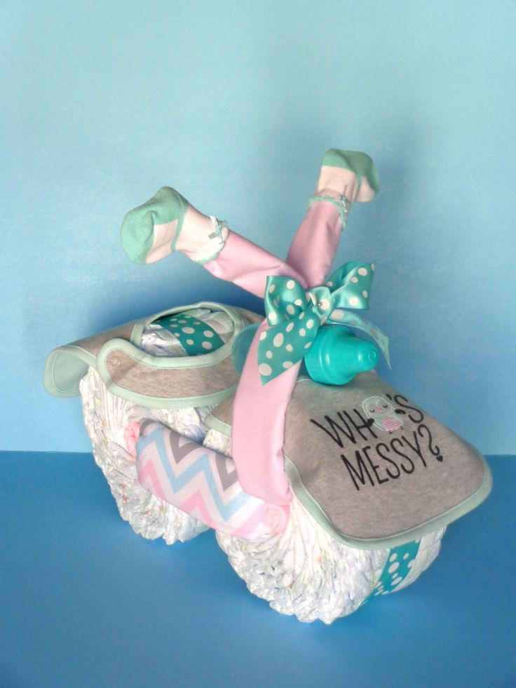 Diaper Motorcycle - Girl Diaper Cake - Chevron diaper cake - http://www.babyshower-decorations.com/diaper-motorcycle-girl-diaper-cake-chevron-diaper-cake.html