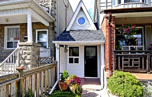 Самый маленький домик в Торонто