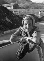 Frau und Automobil - 1930 bis 1939 Timeline Classics/Timeline Images #Ausflug #Frau #Mercedes #Landschaft #Sommer