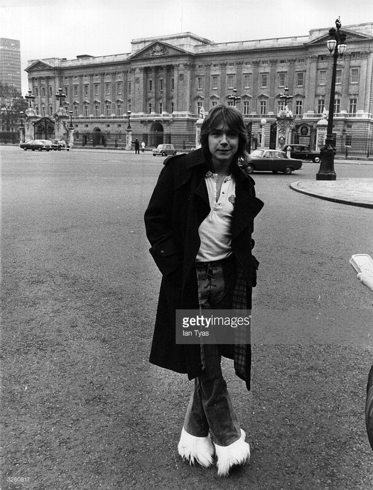 American pop singer, hearthrob and actor David Cassidy outside Buckingham Palace.