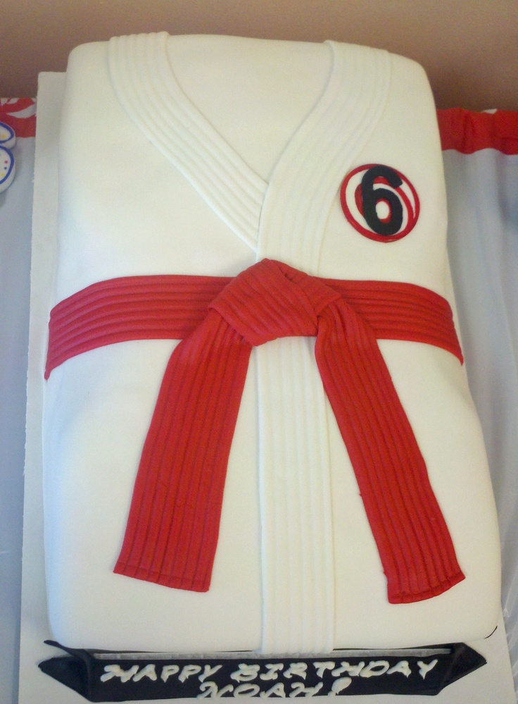 I need to learn to do this one for Andrew's birthday, only with a purple belt (his current rank)