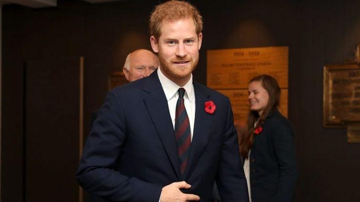 O príncipe Harry vai casar, em 2018, com a atriz americana Meghan Markle. Mas até aqui a sua vida tinha sido recheada de casos amorosos e de polémicas desde os 16 anos. http://observador.pt/2017/11/27/as-5-namoradas-mais-conhecidas-e-os-5-momentos-mais-polemicos-da-vida-do-principe-harry/