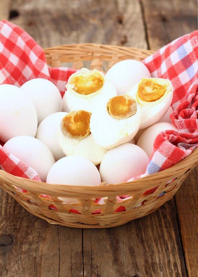 Learn how to make salted eggs, using only brine solution. Salted egg is a popular delicacy both in the Philippines and China that is widely used for various dishes.   www.foxyfolksy.com
