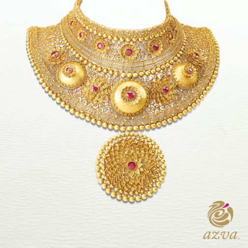 Complete your Wedding Trouseau with this 22k gold neckpiece, which will ensure that all eyes are on you. #WeddingVows #BridalGold