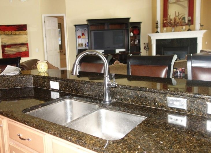 Delta Victorian Singlekitchenspray Venetian Main 13 - pictures, photos, images