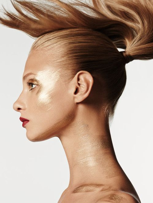 Le look gold, photo par Giampaolo Sgura