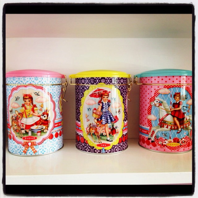 Why not have the most chic vintage tea coffee and sugar canisters in town!  We heart theses big time!