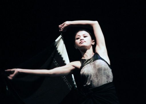 The dancer: Enno had no difficulty performing lovely sequences to illustrate Ontosoroh when deeply in love.