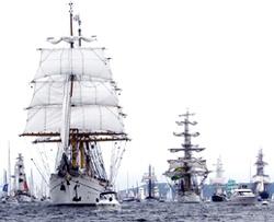 Kieler Woche: Windjammerparade auf der Kieler Förde