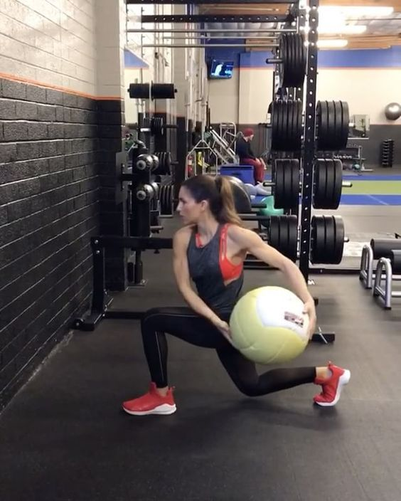 "6,433 Likes, 138 Comments - Alexia Clark (@alexia_clark) on Instagram: ""Throw it 1. 20 reps Split Jump Wall Ball 2. 15 reps each side side Lunge ball sweep 3.15 reps…"""