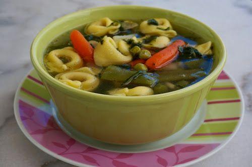 Home food: Куриный суп с тортеллини, шпинатом и замороженными... / Chicken soup with tortellini, spinach and frozen vegetables