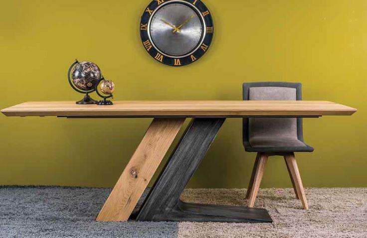 ΤΡΑΠΕΖΑΡΙΑ ZIP  Τραπέζι σε ξύλο ρουστίκ δρύς με κεντρικό πόδι   Ελληνικής κατασκευής με μεγάλη επιλογή αποχρώσεων του ξύλου και διχρωμία μεταλλικής λάκας στα πόδι.  Διαστάσεις 200 cm x 100 cm + 45 cm προέκταση φύλου.      *Παράγεται σε ότι διάσταση επιθυμείτε