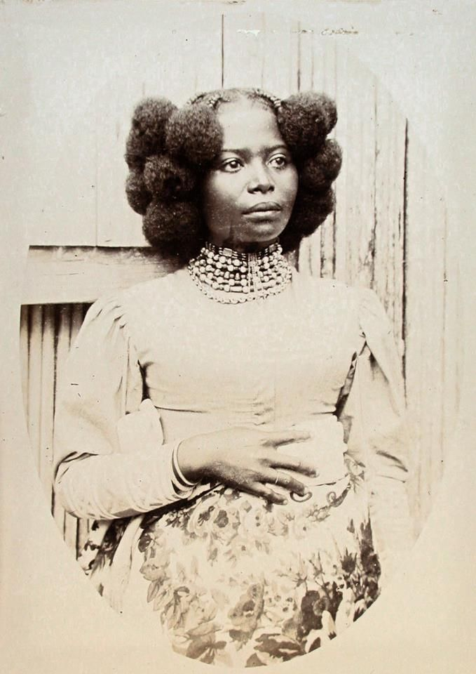 .... Vintage natural up-do.. afro-puff extraordinare!