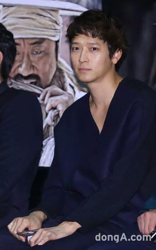 강동원 (Kang Dong Won)