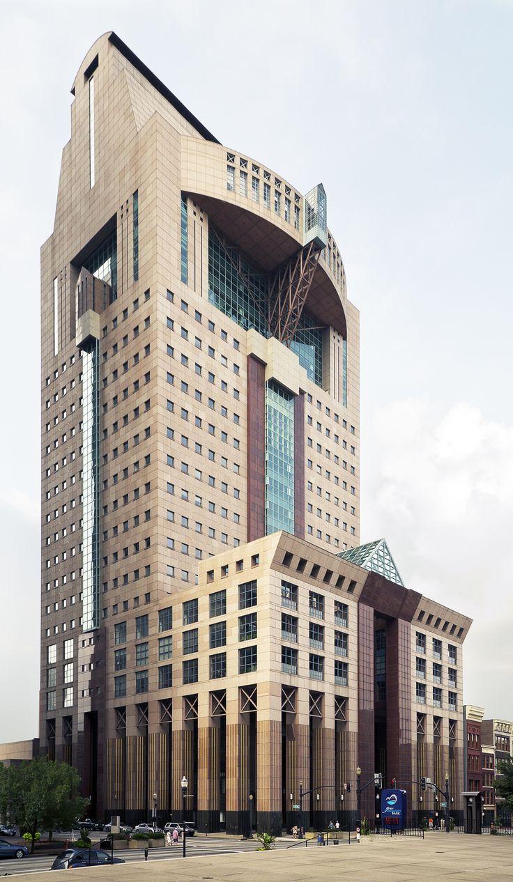 Humana Building, Louisville, Kentucky. Michael Graves, architect.