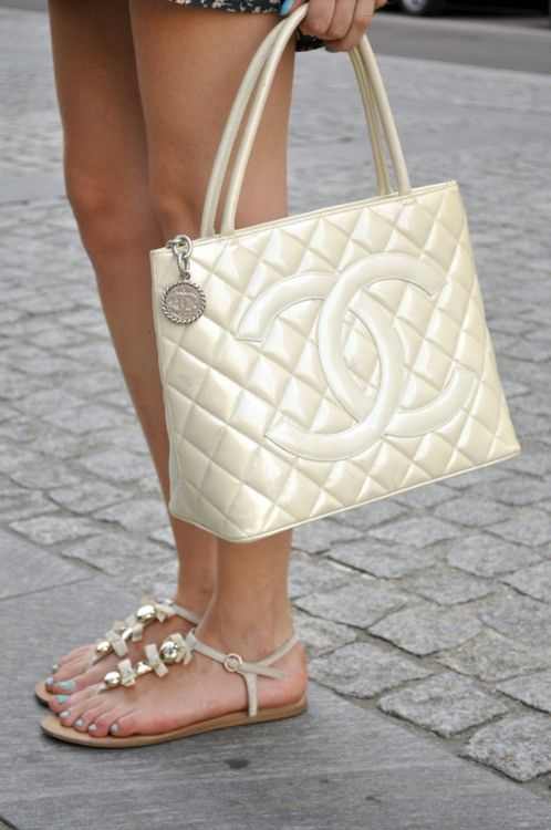 Chanel: Shoes, Chanel Handbags, Chanel Bags, Pearls, Design Handbags, Summer Bags, Outlets, Accessories, Chanel Totes