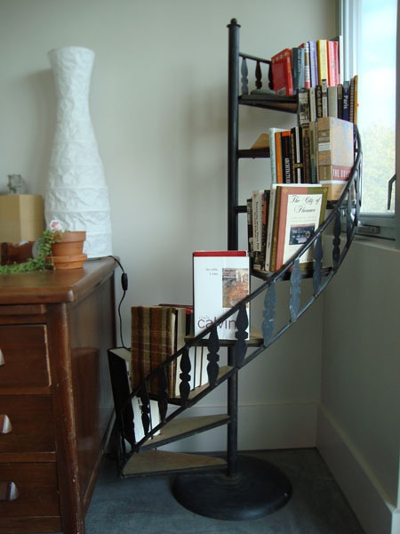 25 best ideas about staircase bookshelf on pinterest staircase storage stair shelves and stairs - Staircases with integrated bookshelves ...