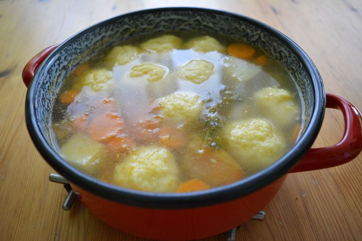 Burgonyagombóc leves