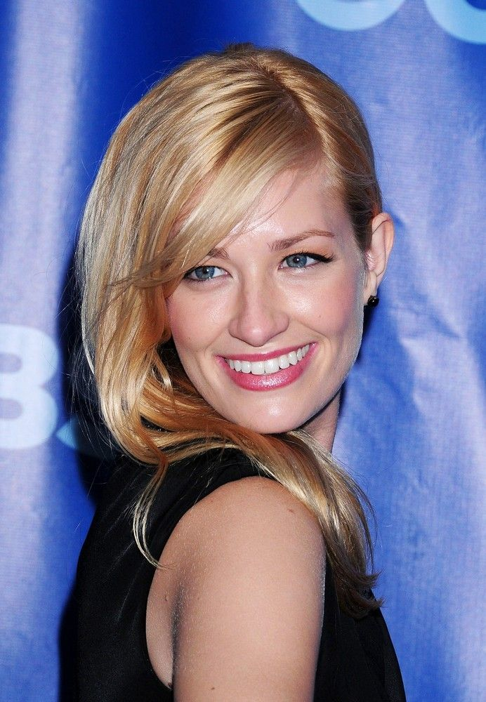 Hair Color Beth Behrs Aka Caroline Channing 2 Broke Girls