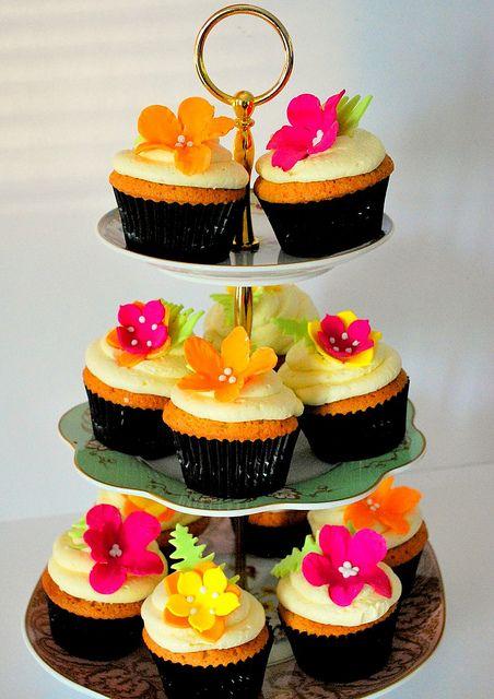 Tropical cupcakes by Go Cake! (Lou), via Flickr
