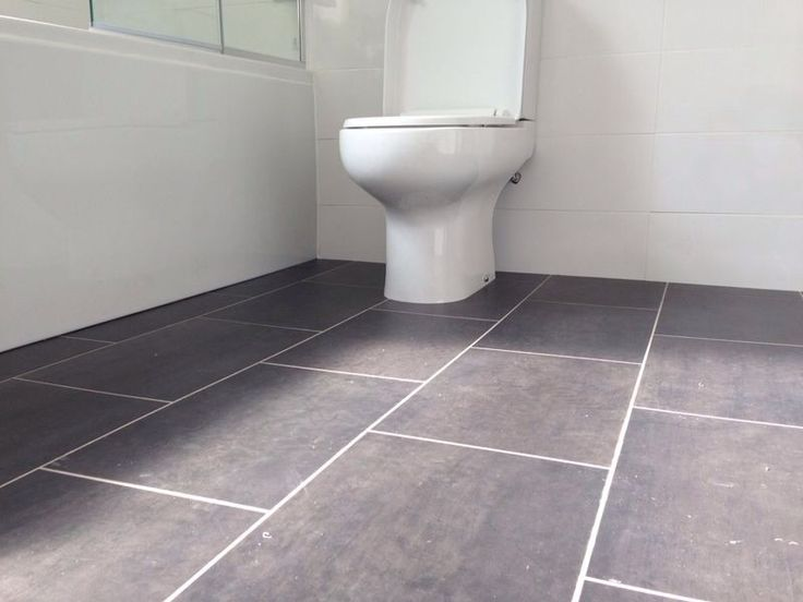 Best 25 vinyl flooring bathroom ideas on pinterest for Small bathroom designs nz