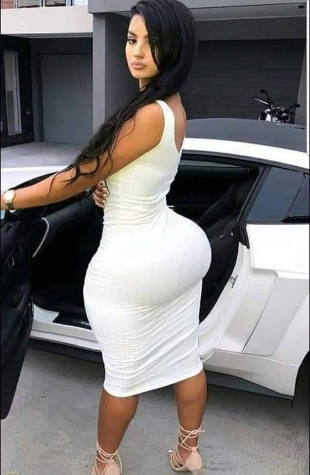 latin Ass tit big