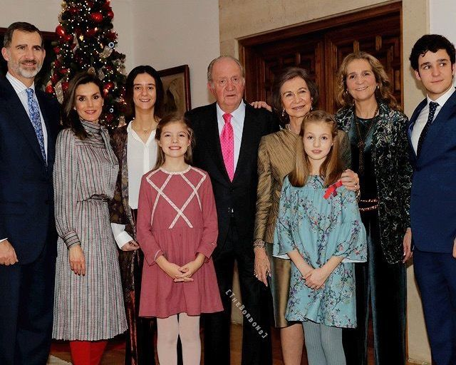 Spanish Royal released a photo for King Juan Carlos bỉthday