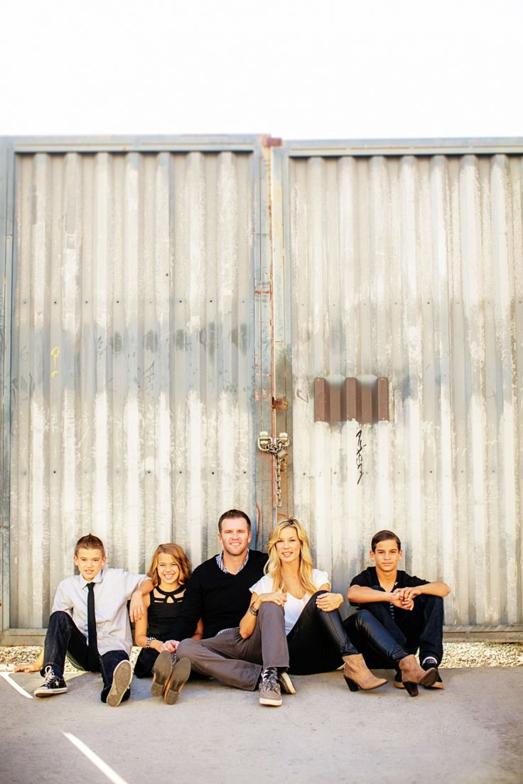 THE ANCICHS | Urban Family Session » CHARD photographer