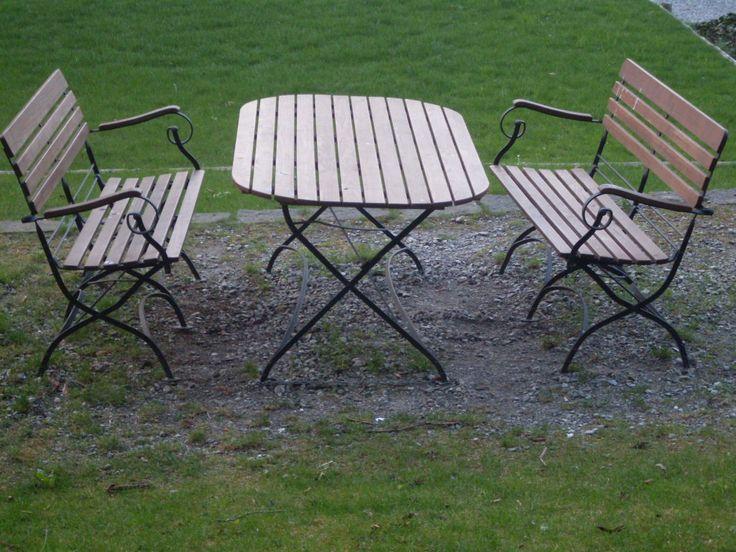 Prego accomodatevi.....nel parco del Museo...