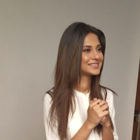 Jennifer Winget asks everyone to do this for a happy life! | PINKVILLA