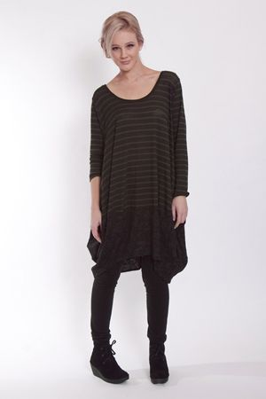 Easy to wear and easy to look at. The Mary-Rose knit tunic is upmarket casual. Team up with the Jaggar wool leggings and Floogle suede lace-up boot to be totally smart.