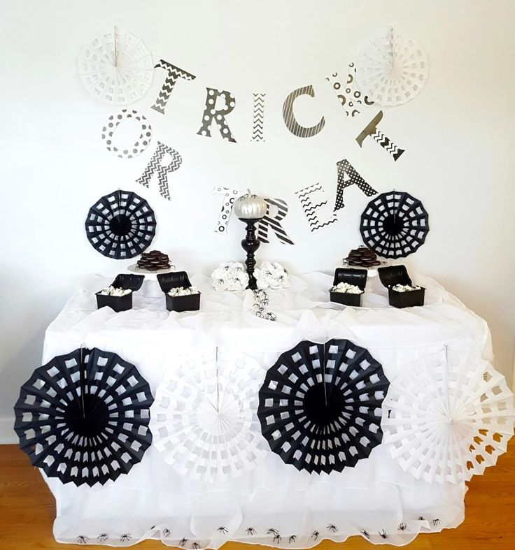 353 best Halloween Party Ideas images on Pinterest | Halloween party ...