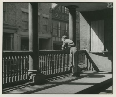 Watergate row north with figure leaning on rail undated for Chambre hardman