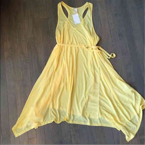 Yellow Maternity Dress Summer maternity dress. Size Large. I bought this and took tags off but never worn . Brand new Dresses High Low