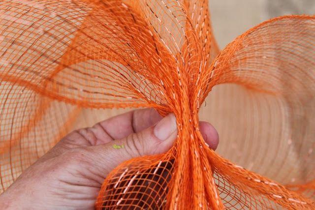 Miss Kopy Kat: How To Make A Deco Mesh Pumpkin