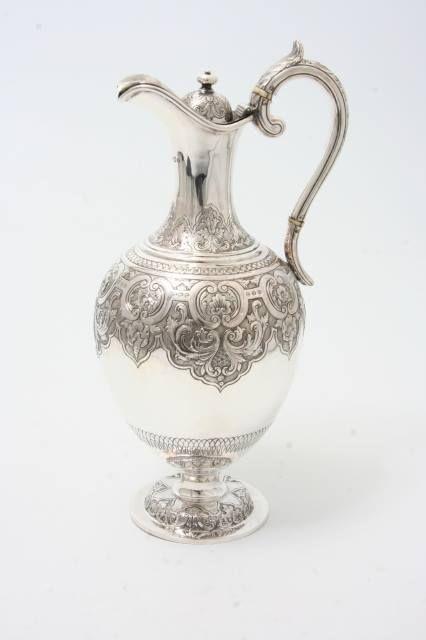 Water jug by Adrián Pallarols - Silversmith