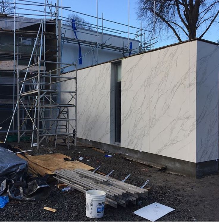 Exciting project in New Zealand using lots of Neolith throughout. This progress shot is Neolith Calacatta cladding the garage. #cdkstone #cdkstonenz #neolith #neolithcalacatta #sinteredcompactsurface #extraordinarysurface #scratchresistant #stainresistant #heatresistant #coldresistant #resistanttouvfading