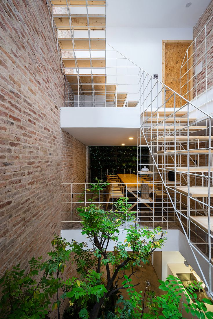 House design using steel - Block Architects Adds Trellises And Steel Bar Walls To Vietnamese House