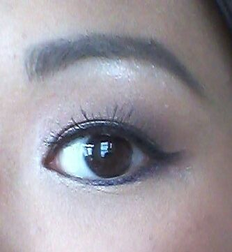 Click for blogpost of how I apply false lashes