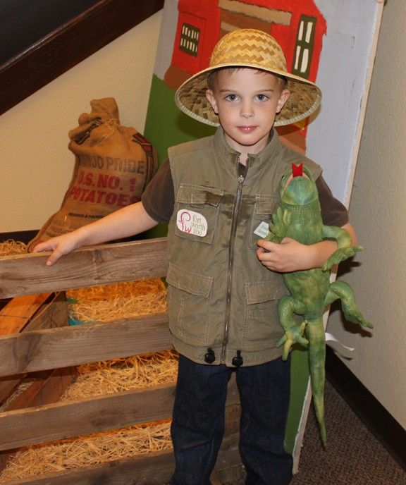 Frugal Costume Ideas: Frontiersman, Zookeeper, and More