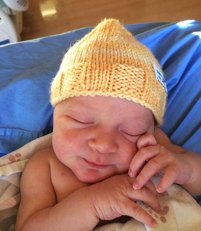 Nora beanie by knitting Doctor Robert Sansonetti - PHUNRISE