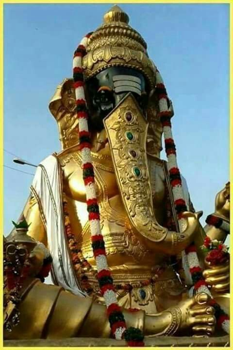 5 ft height pure Gold of Lord Ganesh Idol made in Thailand sent to Pune yesterday only  Have a First or VVIP DARSHAN NOW and SHARE