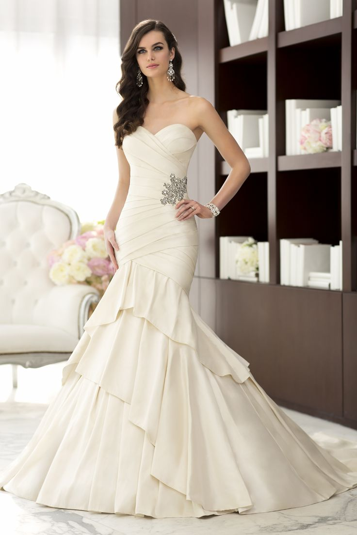 20 best Wedding Gowns on Sale! images on Pinterest | Bridal gowns ...