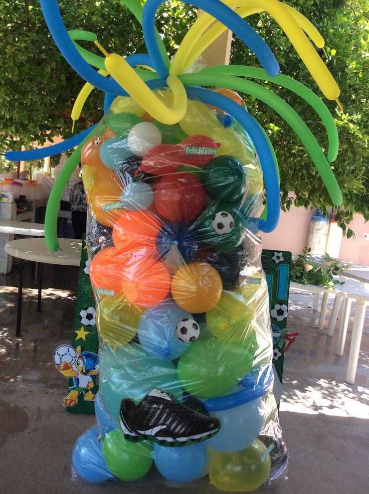 Pi ata de globos con 30 pelotas la pi ata mide x 2 for Decoracion para pinatas