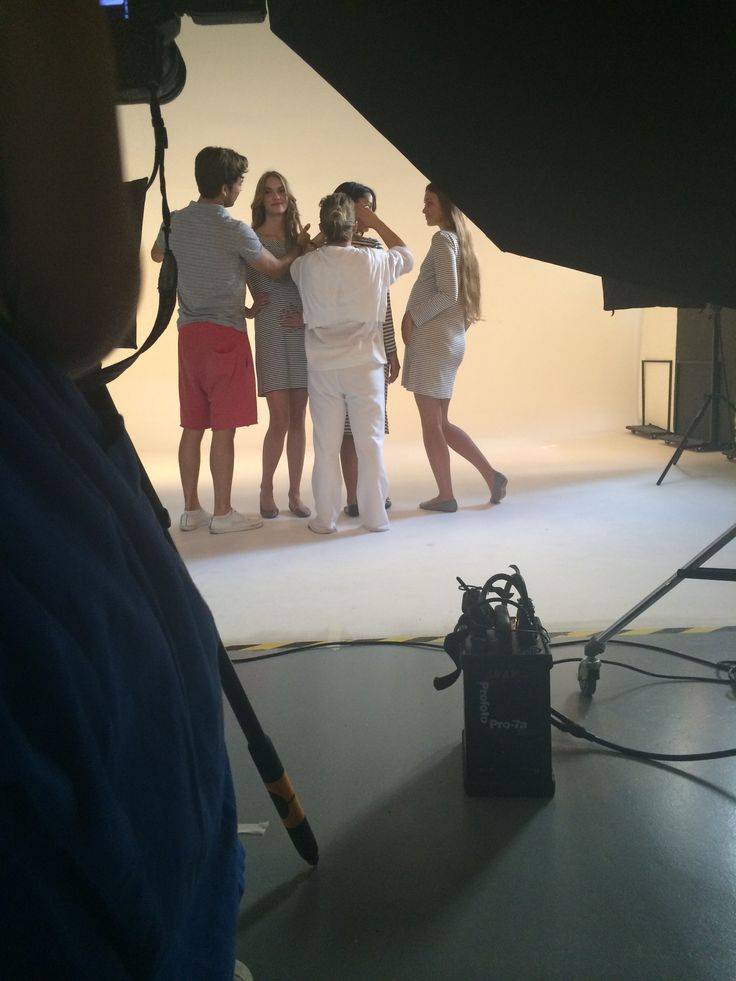 Nanarise maternity clothes!Shooting the collection! #working #teamwork #pregnancy #fashion #collection # fashion www.nanarisematernity.com