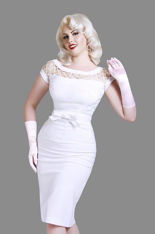 Robe Alika blanche   ROBES PIN UP ATTITUDE : Pure élégance alliée à un style délicieusement féminin pour cette robe droite vintage Alika de la collection Bettie Page. http://www.pinupattitude.com/gamme.htm?products_name=Robe+Alika%20blanche_id=1#  #robe #vintage #oldschool #rock #alika #pinup #attitude #retro #50s #rockabilly #glam #bettiepage